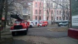 Хабаровские пожарные выехали на загорание в деревянном доме по улице Карла Маркса в Хабаровске