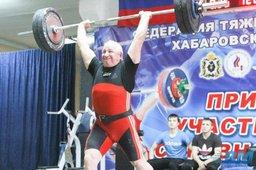 Тяжелоатлет из Ванино побил мировой рекорд среди ветеранов