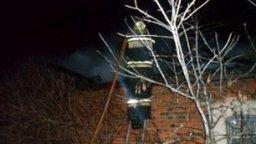 Пожарные ликвидировали загорание крыши в жилом доме в поселке Пивань Комсомольского муниципального района