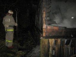 Хабаровские огнеборцы тушили частный дом по улице Запарина