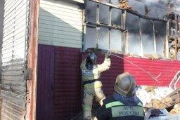 Пожарные ликвидируют возгорание на Матвеевском шоссе в Хабаровске