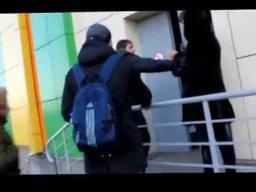"""В Хабаровске прошёл второй рейд нового движение против распития алкоголя и курения в общественных местах """"Тигр против"""""""