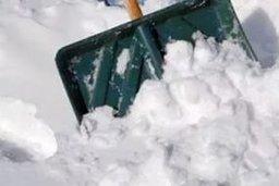 В субботу, 5 декабря, на уборке города от снега в Хабаровске работало более 14 тысяч человек, около 470 единиц различной техники
