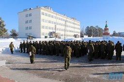 Солдаты в Хабаровске перед едой сдают отпечатки пальцев