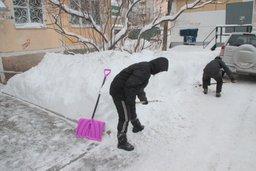 В Хабаровске продолжаются работы по ликвидации последствий снежного циклона