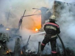 Комсомольские пожарные ликвидировали загорание в деревянном частном доме в поселке Силинском