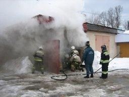 Менее пятнадцати минут потребовалось пожарным для ликвидации пожара в гаражном боксе в Комсомольске
