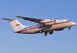 Ан-148 МЧС России осуществляет санитарно-авиационную эвакуацию тяжелобольных граждан из Симферополя в Москву