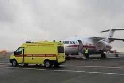 Ан-148 МЧС России осуществил санитарно-авиационную эвакуацию тяжелобольных детей из Нового Уренгоя в Санкт-Петербург