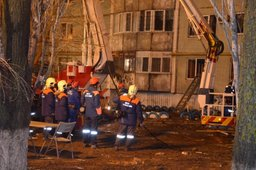 Поисково-спасательные работы на месте взрыва бытового газа в жилом доме в Волгоградской области продолжаются