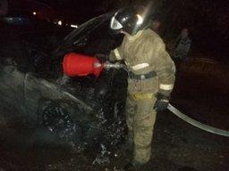 Вечером в Хабаровске пожарные привлекались к тушению автомобиля