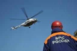 Пациентка доставлена на борт вертолета Ми-8 МЧС России
