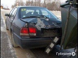 В южном пригороде Хабаровска механик-водитель бронетранспортера повредил легковой автомобиль