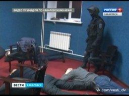 Бойцы СОБРа взяли штурмом подпольное казино в Хабаровске