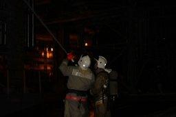 Огнеборцы ликвидировали пожар в поселке Известковый