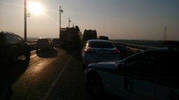 Пожарно-спасательные подразделения гарнизона г. Хабаровска ликвидируют последствия дорожно-транспортного происшествия на мосту