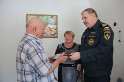 Совет ветеранов пожарных и спасателей Хабаровского края накануне Дня защитника Отечества отправился в гости к своим ветеранам