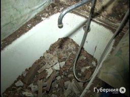 В хабаровской сталинке обвалился потолок