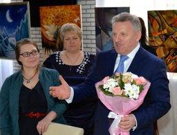 Губернатор Хабаровского края поздравил женщин с 8 Марта
