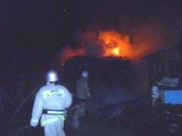 Хабаровскиее огнеборцы ликвидировали пожар частной деревянной бане
