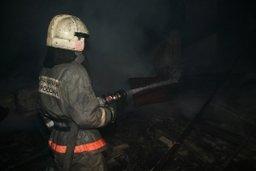 Комсомольские пожарные выезжали на тушение заброшенного строения по улице Свердлова