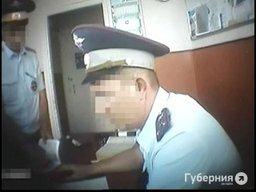 Суд изменил приговор автоинспекторам-взяточникам на тюремное заключение с уплатой штрафов