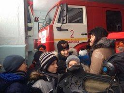 Специалисты 21 отряда Федеральной противопожарной службы проводят занятия в образовательных учреждениях Хабаровска