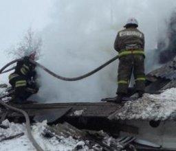 В тушении частного деревянного дома в Хабаровске принимали участие три пожарных расчета