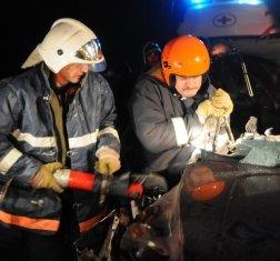 Пожарный расчет ликвидировал розлив топлива в результате ДТП