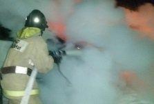 Девять минут потребовалось пожарным на ликвидацию загорания автомобиля