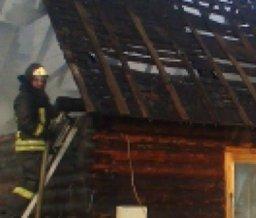 Пожар в частном доме по переулку Канскому в Хабаровске ликвидировали пожарные расчеты