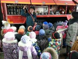 Маленькие хабаровчане побывали в гостях у огнеборцев 3 ПСЧ 21 отряда ФПС по Хабаровскому краю