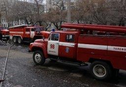 Комсомольские пожарные в ходе тушения пожара спасли ребенка из кабины лифта