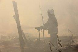 Хабаровские огнеборцы привлекались к тушению группы хозяйственных построек