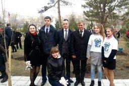Спикер краевого парламента Сергей Луговской принял участие в акции по посадке деревьев