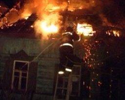 Частный дом по улице Тамбовской тушили хабаровские огнеборцы