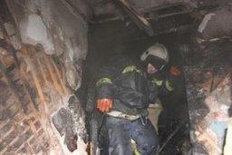 Комсомольские пожарные ликвидировали загорание деревянной постройки на строительной площадке по улице Алмазной
