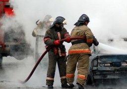 Сразу три автомобиля тушили хабаровские огнеборцы в населенном пункте Гаровка-2