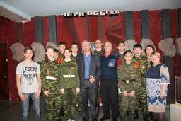 Ребята военно-патриотического клуба «Спасатель» школы № 10 города Хабаровска встретились с ликвидатором аварии на ЧАЭС