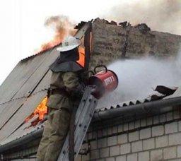 Пожарные ликвидировали загорание в частном доме в поселке Новотроицкое