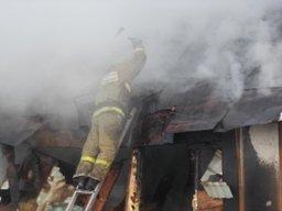 Огнеборцы тушили дачный дом садовом обществе «Амурские зори» в Комсомольске