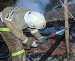 Дачный дом в садовом обществе «Спутник» тушили два пожарных расчета