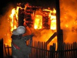 Комсомольские пожарные ликвидировали загорание хозяйственных построек в садовом обществе «Восход»