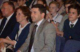Депутаты регионального парламента Ирина Штепа и Борис Гладких приняли участие в торжественной церемонии посвящения в избиратели
