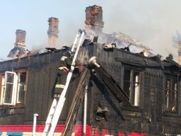 Огнеборцы локализовали пожар на улице Окружной в Хабаровске