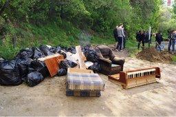 Водолазы МЧС очистили от мусора дно береговой линии Амура в районе Дальдизеля