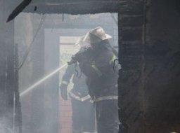 Комсомольские огнеборцы лидировали пожар в поселке Силинском по улице Парковой