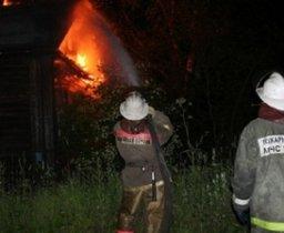 Три пожарных расчета тушили частный дом в поселке Рощино Хабаровского района