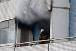 Комсомольские огнеборцы ликвидировали загорание домашних вещей на балконе жилого дома в поселке Хурба