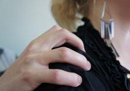 Девушку изнасиловали средь бела дня в Индустриальном районе Хабаровска